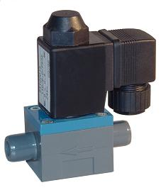 Plastic solenoid valve for very aggressive and corrosive media